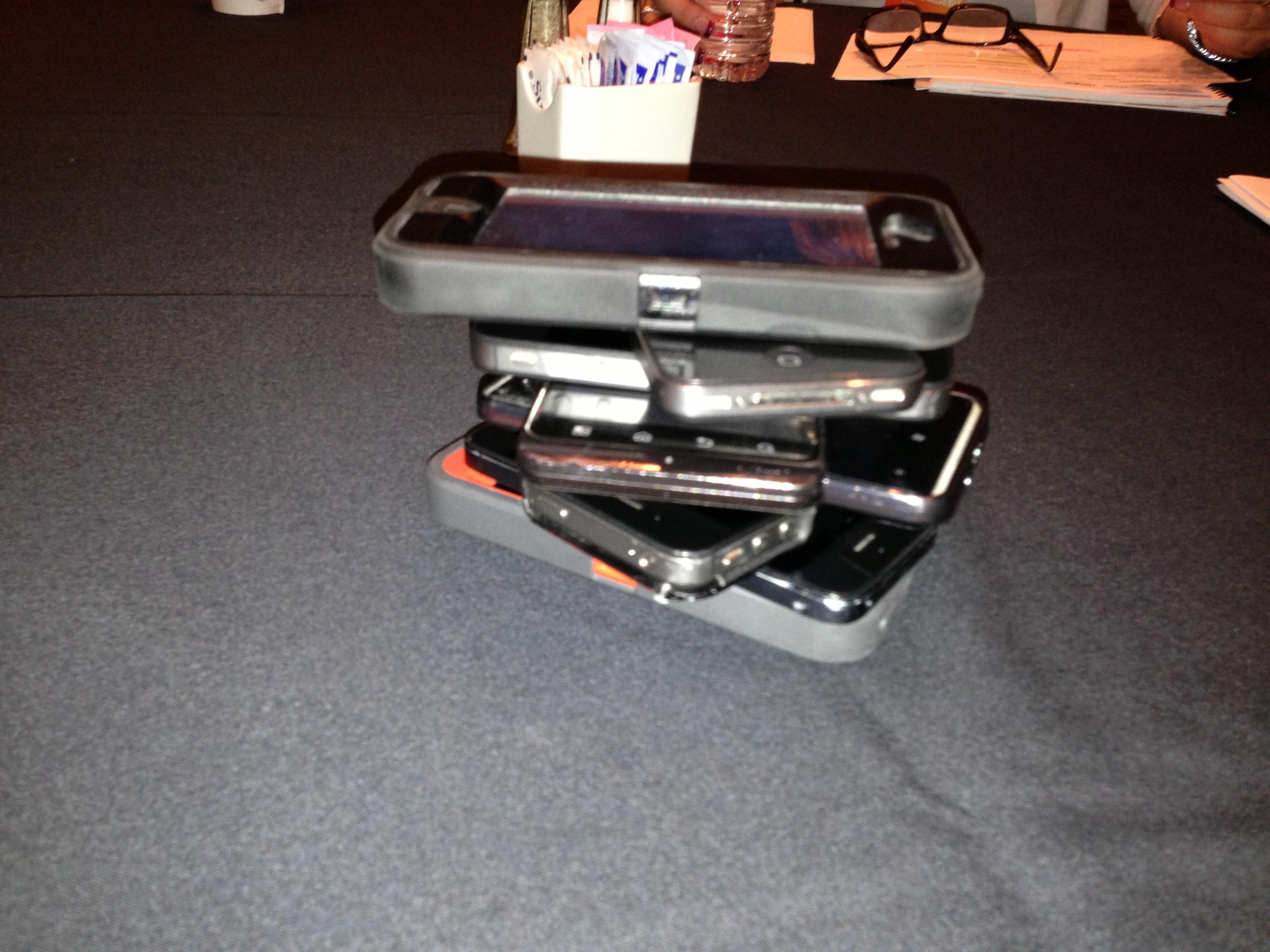 How to stop people using phones in meetings